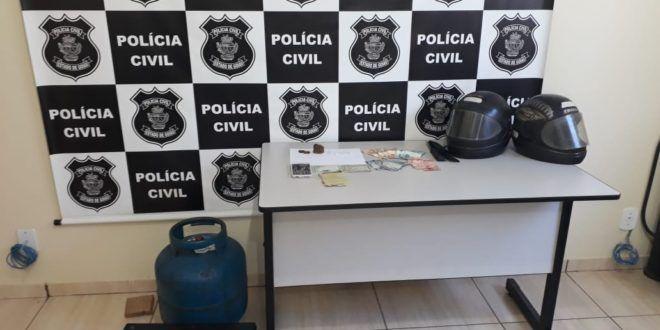 Campinorte / Drogas e vários objetos são apreendidos durante ação da PM e Polícia Civil